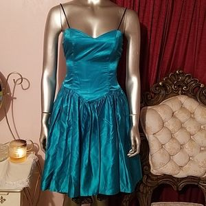 Dresses & Skirts - Vintage silk green blue 80s sweetheart dress small